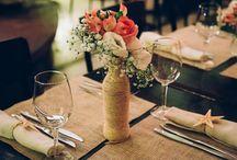 decoração da mesa com garafas