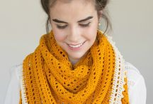 Crochet - Yarn cake inspiration / Beautiful and timeless scarves made with yarn cakes and colour blending.