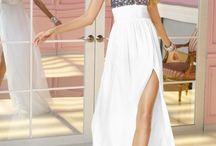 Dresses / by Hannah Wozniak