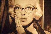 Men Seldom Make Passes/At Girls Who Wear Glasses
