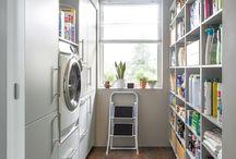 Der Hauswirtschaftsraum / In den modernen Wohnungen und Häusern stehen immer seltener Kellerräume oder Abstellkammern zur Verfügung. Das Thema Stauraum und Organisation bekommt damit einen neuen Stellenwert. Wohin mit Waschmaschine, Vorräten, Recycling und Werkzeug? Der multifunktionale Hauswirtschaftsraum bietet die Lösung für jede Anforderung!