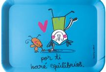 Bandejas y termos de los chulos / Aquí encontrarás las bandejas más originales y bonitas, y los termos para llevar tus bebidas frías o calientes, porque te mantienen la temperatura sea como sea. En Decocuit, en regalos y decoración en Burgos te ofrecemos artículos que harán de tu vida más feliz, con más alegría e ilusión. Te esperamos en nuestra tienda de regalos en Burgos o en nuestra tienda on line www.decocuit.com