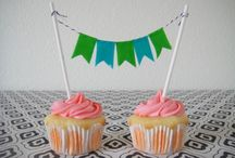 Cupcakes & Cakes / by Gina Rahmel