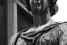 estátuas/esculturas