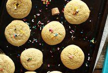 Baking and Dessert / by Kelly-Ann Krawchuk