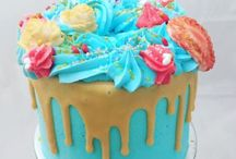 Creative cakes and cupcakes