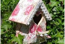 Birdhouses/Birdfeeders