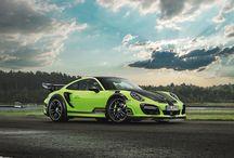 Premiera: TechArt GTstreet R 2017 / Legenda powraca! Jeden z najbardziej charakterystycznych pakietów modyfikacji Porsche 911 – TechArt GTstreet wraca w wielkim stylu w oparciu o najnowszą generację 911 Turbo S. Jeszcze więcej mocy, rozbudowany pakiet aerodynamiczny oraz ściśle limitowana produkcja. Mamy dla Was więcej szczegółów!  Więcej: http://gransport.pl/blog/premiera-techart-gtstreet-2017/  Oficjalny Dealer TECHART w Polsce GranSport - Luxury Tuning & Concierge http://gransport.pl/index.php/techart.html