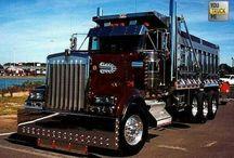 Trucks / by Amado Muñoz