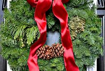 Wreaths / by Susan Hedgecock