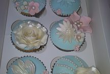 Cakes & Cupcakes / Beautiful vintage lace cakes and  cupcakes