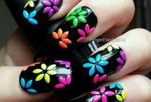 flores fondo negro