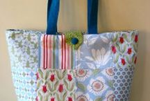 Sewing Purses, bags, totes, etc. / I love to make bags!