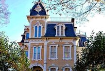 Peculiar houses and castles