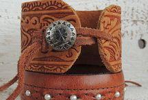 Bracialets leather