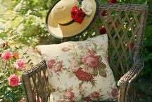 Fruits rouges`•. ¸ ¸. ☆ / Le temps des cerises, mais aussi des fraises, du cassis, des pommes... de l'été, quoi ! ☀