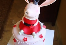 Book Cakes/Cookies / Cakes and cookies with book themes and characters. / by Linda's Links