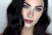 Beautiful female face FOTO