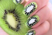 ö Nails