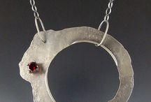 Neck jewellery