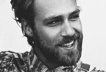 • Men's Hair n Beard •