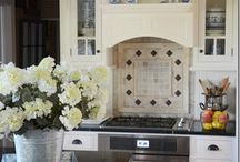 Beautiful Kitchens / by LauralHB