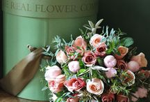 Vintage style wedding flowers / A gorgeous collection of soft vintage tones, very on trend for wedding flowers!