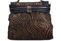 Twin set / Benvenuti...in questo spazio potrete trovare tutte le nostre migliori borse TWIN SET acquistabili direttamente on-line sul sito www.abzan.com a prezzi scontati fino al 70%!