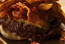 Scatti di Gusto / La qualità fa subito rima con successo e basta poco perché l'hamburger di Gigione si affermi oltre i confini della cittadina. Vincenzo Pagano Scatti di Gusto.