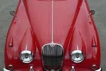 Red / La couleur rouge à travers la décoration, la mode, l'architecture, les objets du quotidiens. Rouge est la couleur de la passion