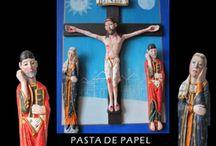 Iconografia mariana en la Galicia medieval / Réplicas de vírgenes románicas y góticas de las cuatro provincias gallegas, realizadas en pasta de papel y madera