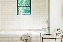 Bathrooms / by Nicole Schauer