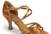 Παπούτσια λατιν