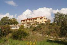Villa KaliMeera auf Korfu / Wir haben ein neues Domizil - die Villa KaliMeera auf Korfu. Die Villa thront inmitten eines Olivengartens auf einem Hügel mit Blick auf das Meer.  Sie liegt beim Dorf Marathias und bietet kilometerlange sanft abfallendende feine Sandstrände.