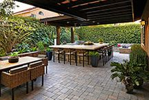 Built-in Grills & BBQ Islands / SP built-in grills take much of the work out of cooking al fresco because it virtually eliminates the hassle of kitchen clean up. This means you have more time to spend enjoying a meal, spending time with family and friends, or just relaxing in the comfort of the great outdoors.  Don't forget, that with a System Pavers BBQ island, you can select a complementary design that is right for your home, your lifestyle, and your needs.