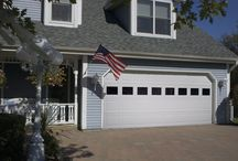 Raynor Advantage Series  / Advantage Series garage doors offer homeowners, builders, and contractors a very high-quality pan door with a wide-range of options and designs from which to choose.