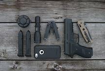 túlélő eszközök és fegyverek