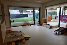 Espazos de escola 1-2 / Diferentes espazos pensados e creados para os nenos e nenas do grupo 1-2
