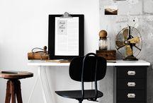 Skrivbord/arbetsbord