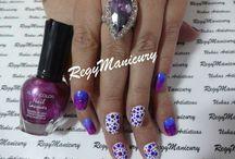 Minhas unhas pintadas pela Regy Manicury