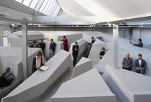 expoziție / instalație