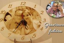 Gravírozott fényképes falióra készítés / Egyedi gravírozott ajándéktárgyak készítése. Tervezd meg online! www.goengrave.com