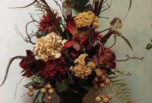 Floral arrangements / by Lynette Moody