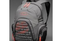 Oakley Backpack Planetary / Oakley Backpack Planetary 2.0 is the ultimate backpack dream of any skateboarder. With premium quality and utilitarian look.