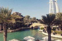 Dubai / Velkommen til Mellemøstens svar på Hong Kong eller Singapore - en metropol som opfylder drømme. Her venter der hoteller af særdeles høj klasse, fantastisk mad, vidunderlige strande og aktiviteter i uendelighed. Det bedste er, at flytiden kun er ca. 6 timer og at Dubai passer til alle - børnefamilier, vennepar, singler, par, luksusnydere og rejsende på budget. Du kan læse mere her: www.apollorejser.dk/rejser/asien/de-forenede-arabiske-emirater/dubai