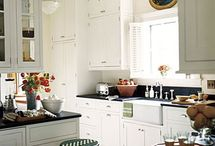 Kitchens / by Crafty Mermaid