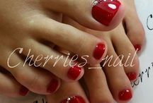 toe nails red