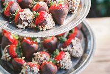 Yummies / Dipped strawberries