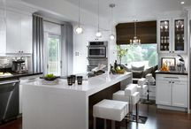 Kitchen / by Christina Thompson