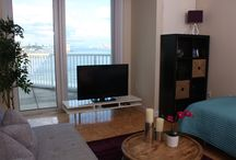 New York City - Jersey City / Exchange Place / With just few minutes walk to the Exchange Place Path station and a 4 minutes path ride to the World Trade Center, these beautifully furnished apartments are as close as it gets to downtown Manhattan.